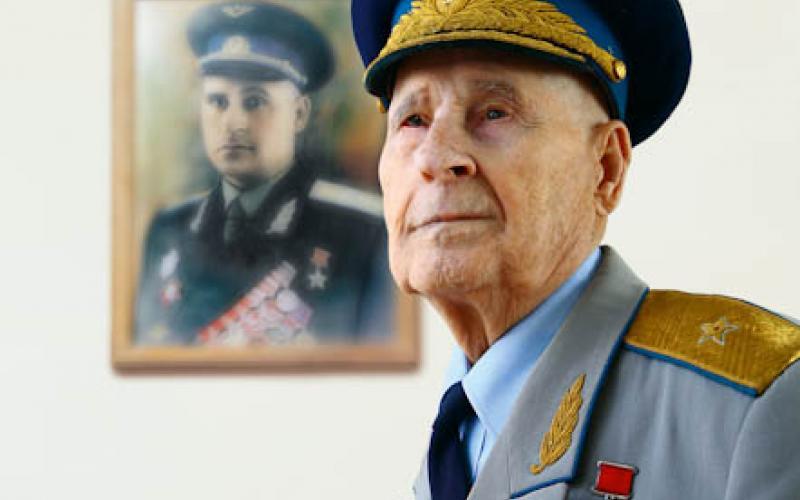 Кубанского летчика наградили Орденом Александра Невского